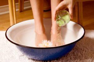 Лечение грибков на ногах и между пальцами: мази, кремы, таблетки, масла и народная медицина